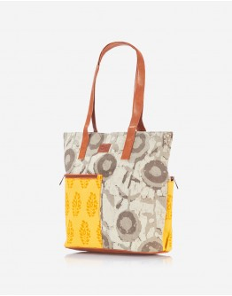 Fawn Tote with Yellow Pocket